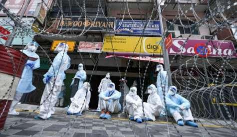 159医务员确诊  30人在医院染疫